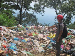 Vĩnh Phúc: Dân bức xúc vì bãi rác thải gây ô nhiễm môi trường